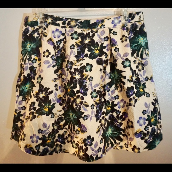 H&M Dresses & Skirts - Floral circle skirt! Perfect for fall translation!